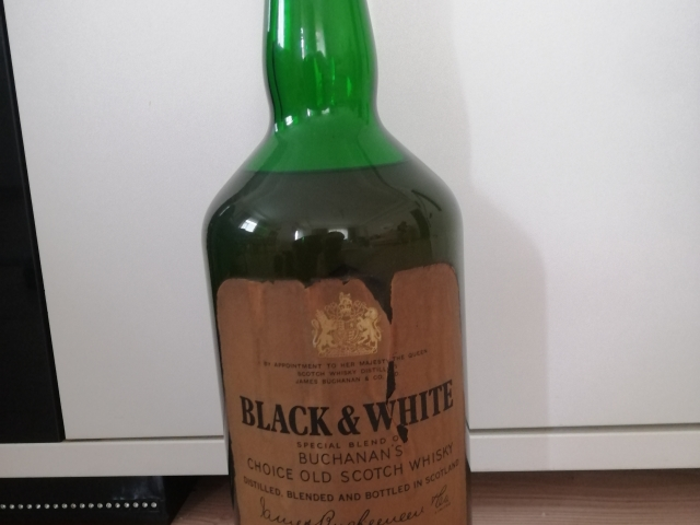 BLACK&WHİTE Scotch Whiskey 3,5 Litre